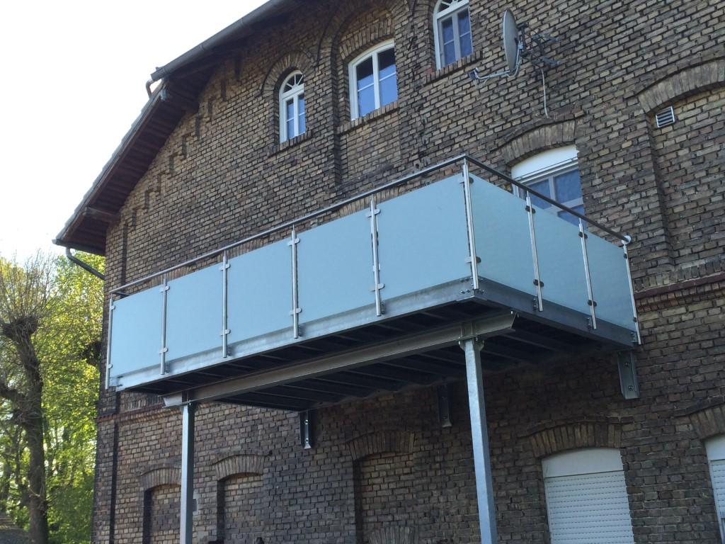 Balkon und Treppe